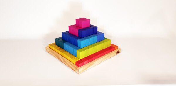 pirámide juguete